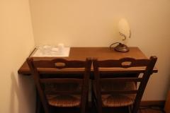 scrivania2-agriturismoallerose